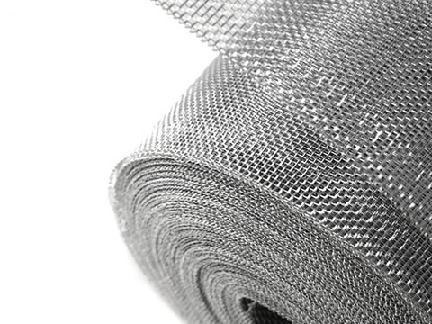 There is an aluminum alloy mesh roll.