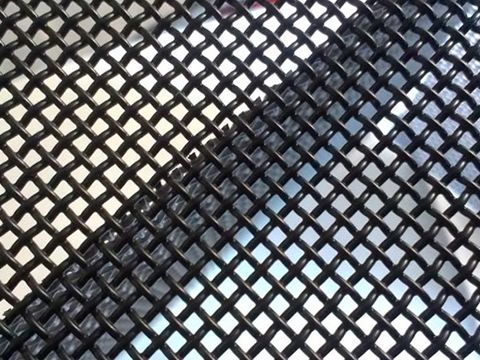 Black powder coated galvanized mesh used as window screen